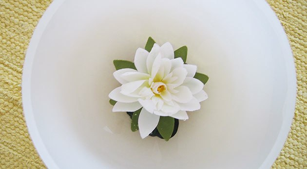 Crystal Bowl with Flower